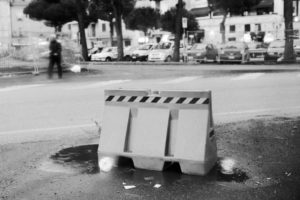 Via Appia: Road blocking object at 17:00 hrs (Formia, 2010)